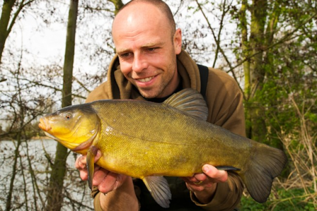 Visiting an Essex club water for some springtime tench action