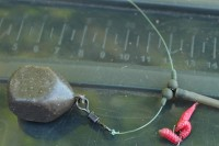A nine inch 10lbs Korda IQ2 hooklink to a piece of red foam